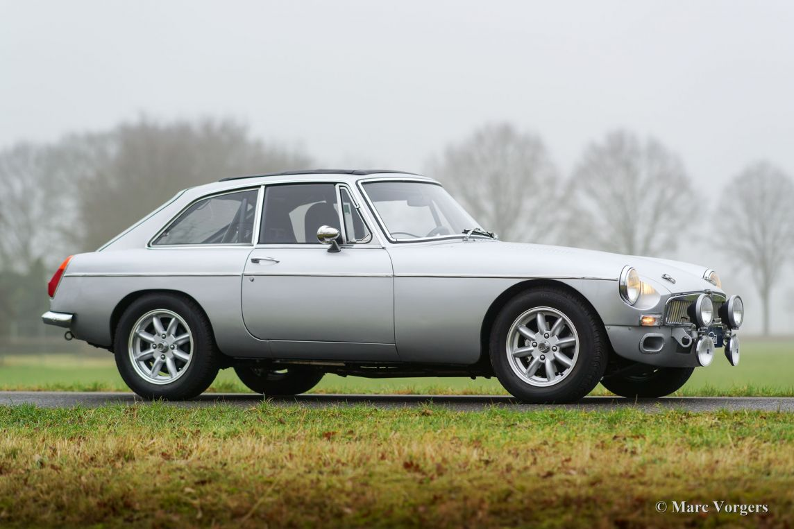 Car Garage For Sale >> MG MGB GT V8 rally car, 1975 - Welcome to ClassiCarGarage