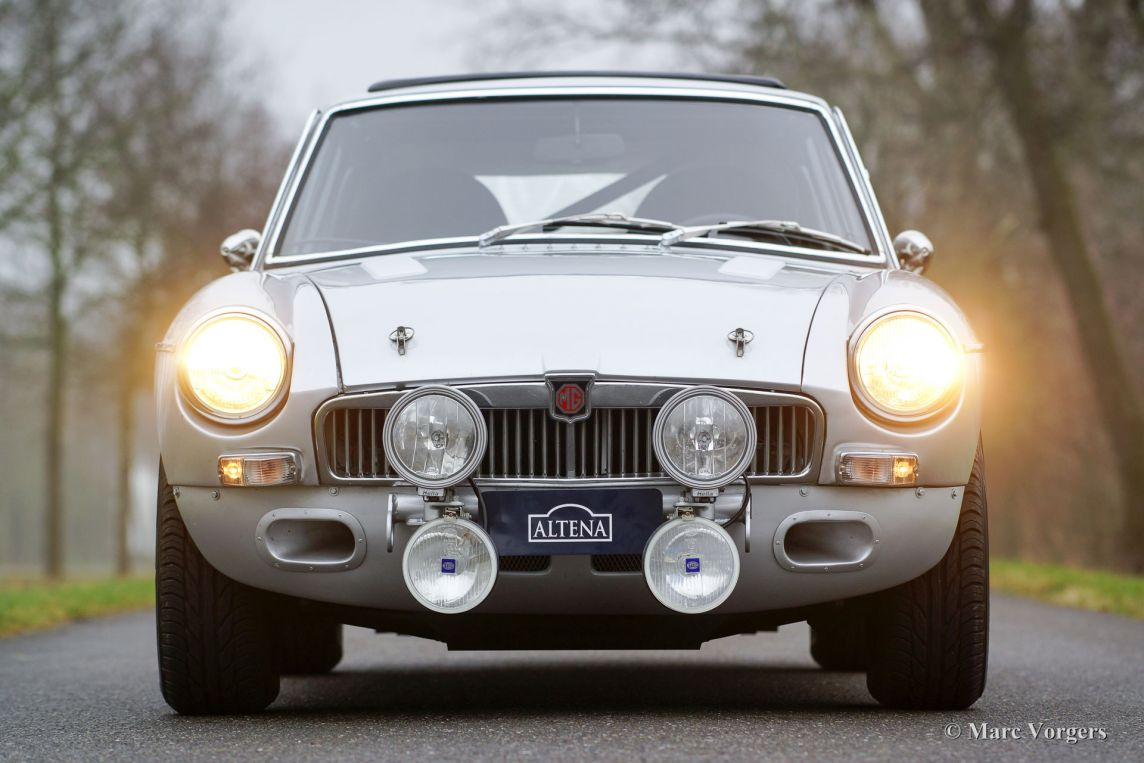 MG MGB GT V8 rally car, 1975 - Welcome to ClassiCarGarage