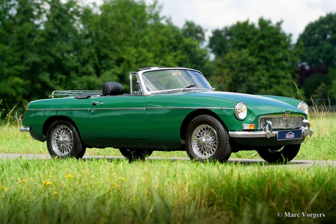 ... 1968 MG MGB roadster, ...