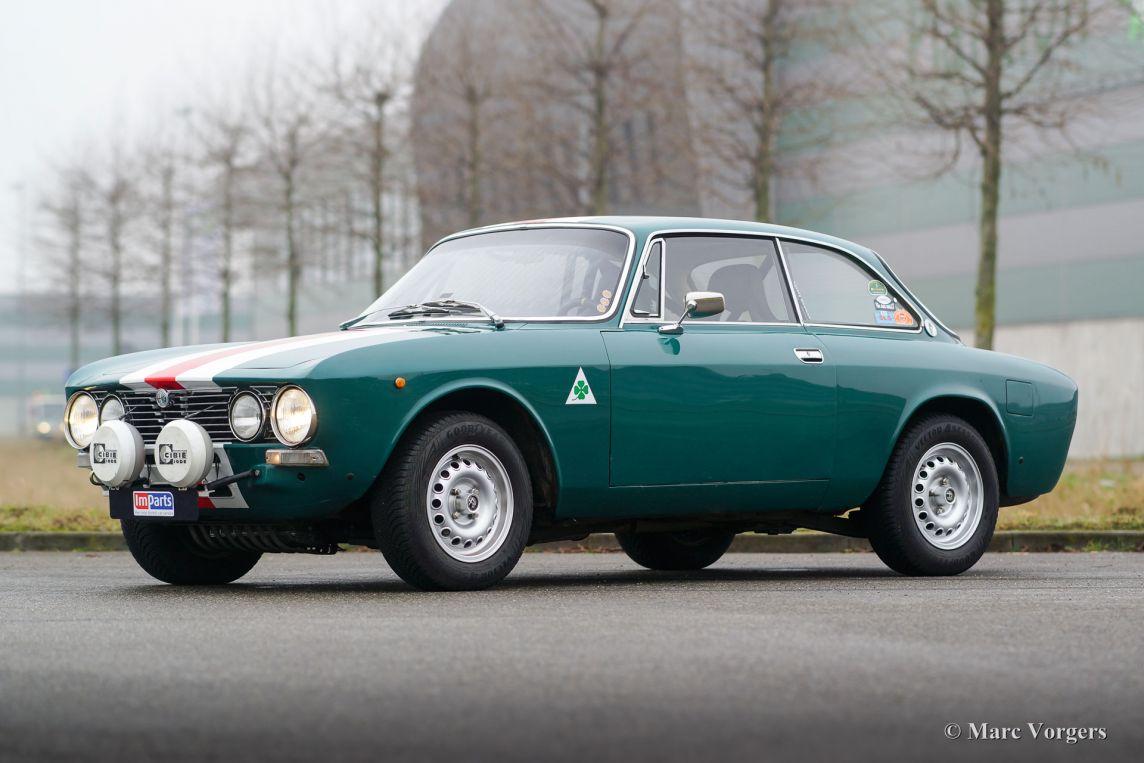 1971 Alfa Romeo Giulia 2000 GTV, .