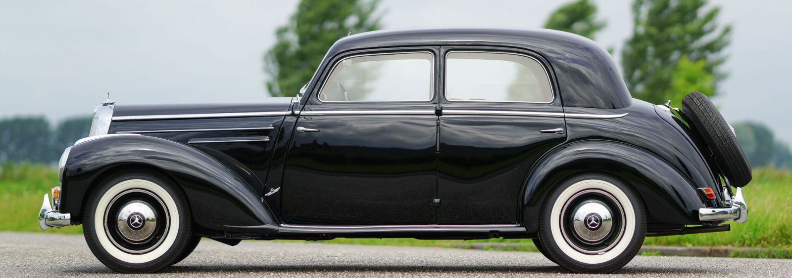 Mercedes benz 220 limousine 1952 welcome to classicargarage for Mercedes benz home page