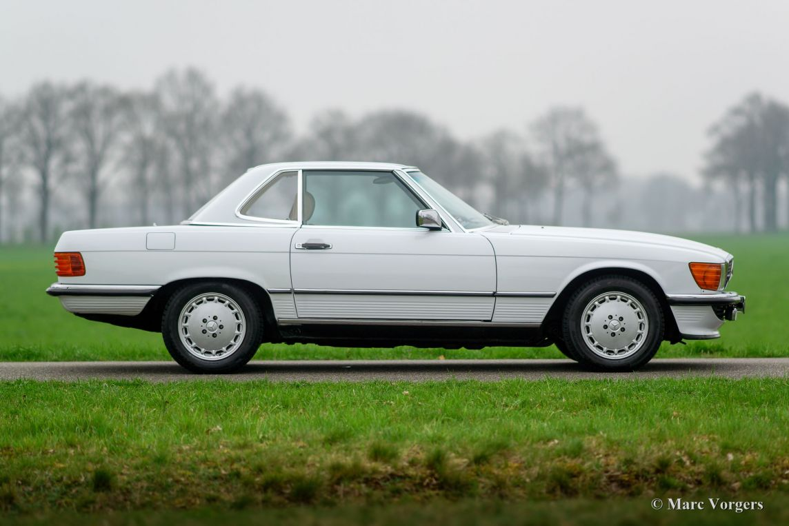 Mercedes benz 300 sl r107 1987 welcome to classicargarage for Garage mercedes auxerre 89