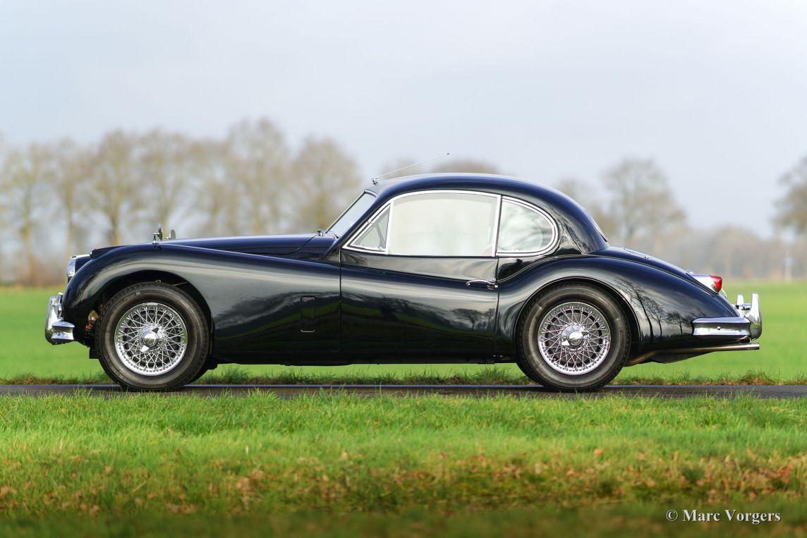 cars iconic se jaguar sale for roadster classic sold