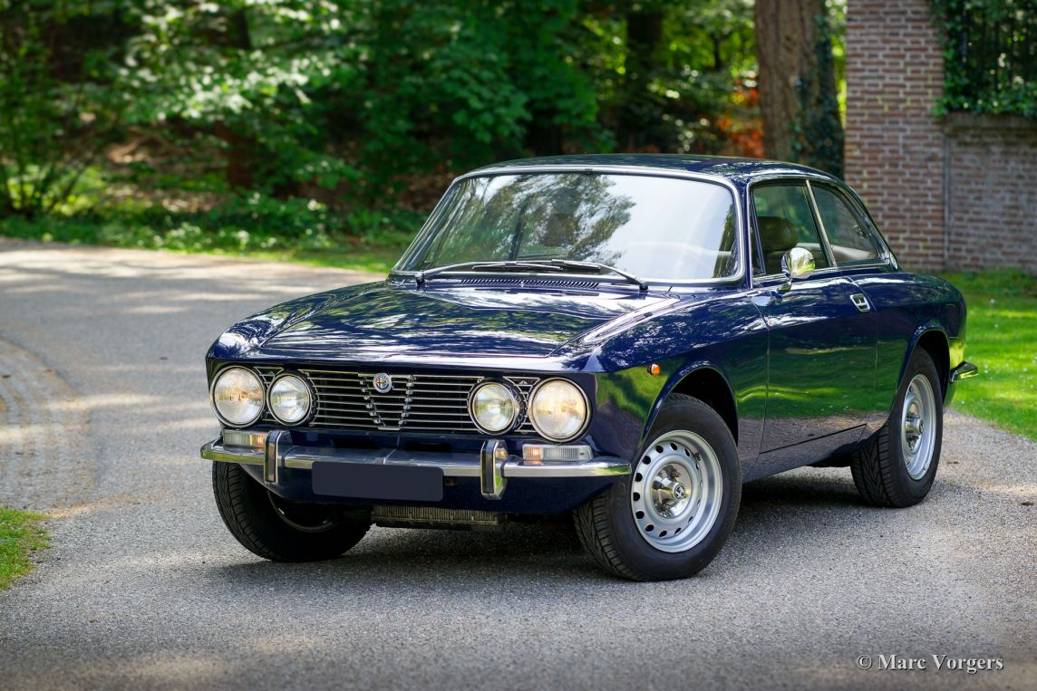 Alfa Romeo Giulia 2000 GTV, 1972 - Welcome to ClassiCarGarage