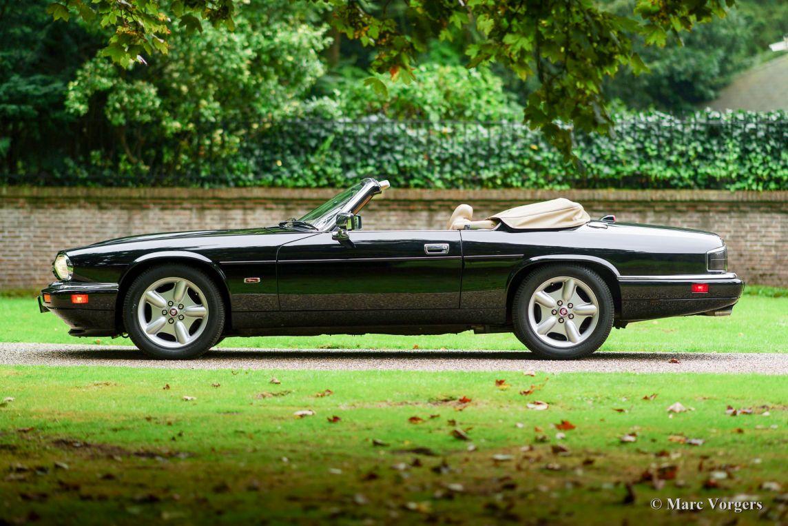 jaguar xjs 4 0 convertible 1995 welcome to classicargarage. Black Bedroom Furniture Sets. Home Design Ideas