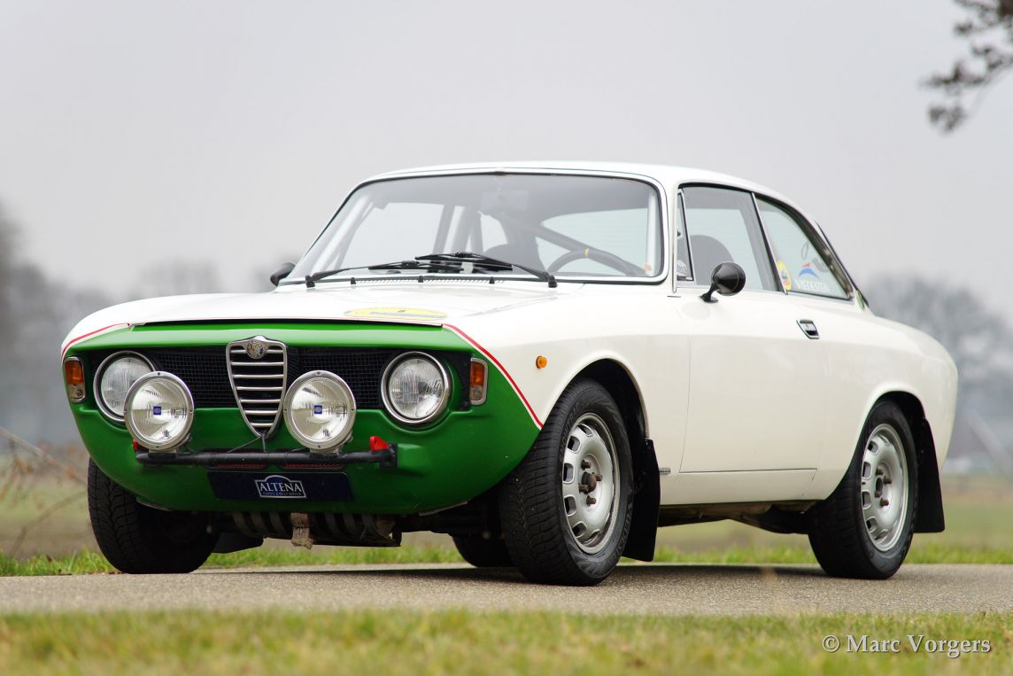 alfa romeo giulia gt veloce 1966 welcome to classicargarage. Black Bedroom Furniture Sets. Home Design Ideas