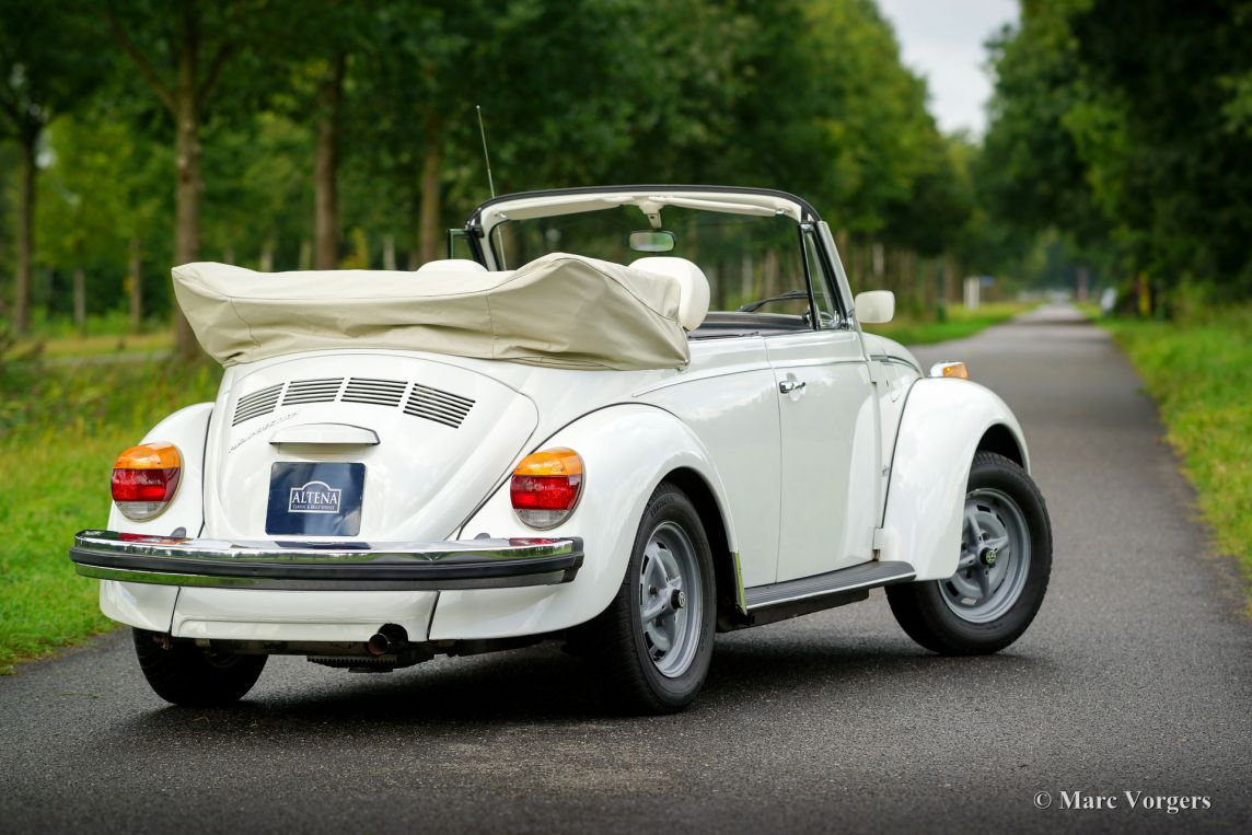 volkswagen beetle 1303 cabriolet 1979 welcome to classicargarage. Black Bedroom Furniture Sets. Home Design Ideas