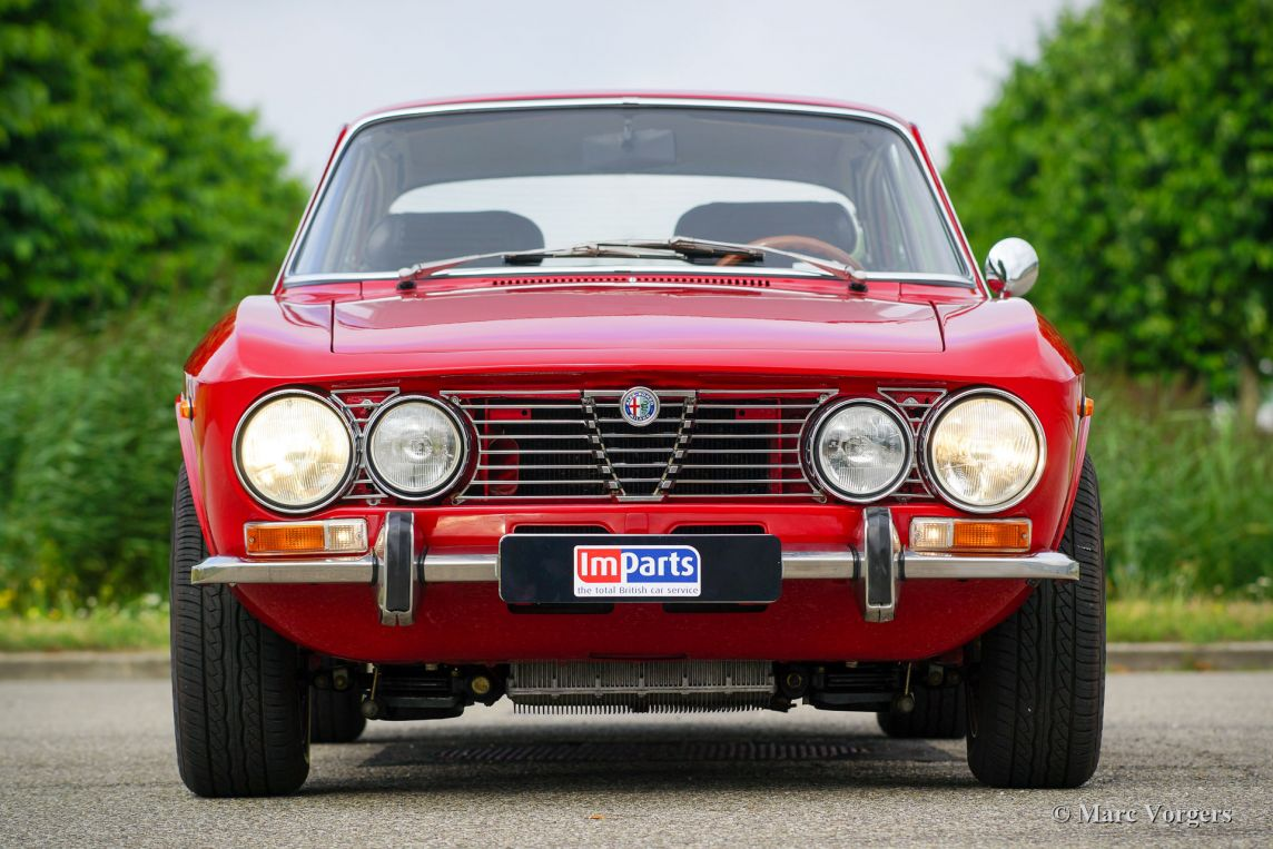Alfa Romeo Giulia GTV 2000, 1972 - Welcome to ClassiCarGarage