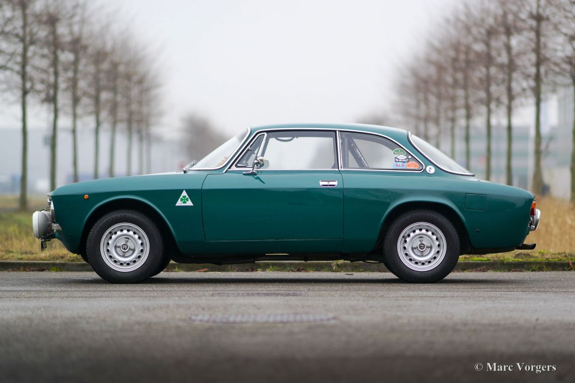 alfa romeo giulia 2000 gtv 1971 welcome to classicargarage. Black Bedroom Furniture Sets. Home Design Ideas
