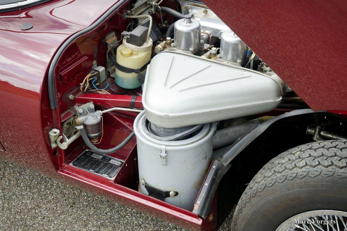 Jaguar E-type 4.2 Litre FHC, 1971 - Welcome to ClassiCarGarage