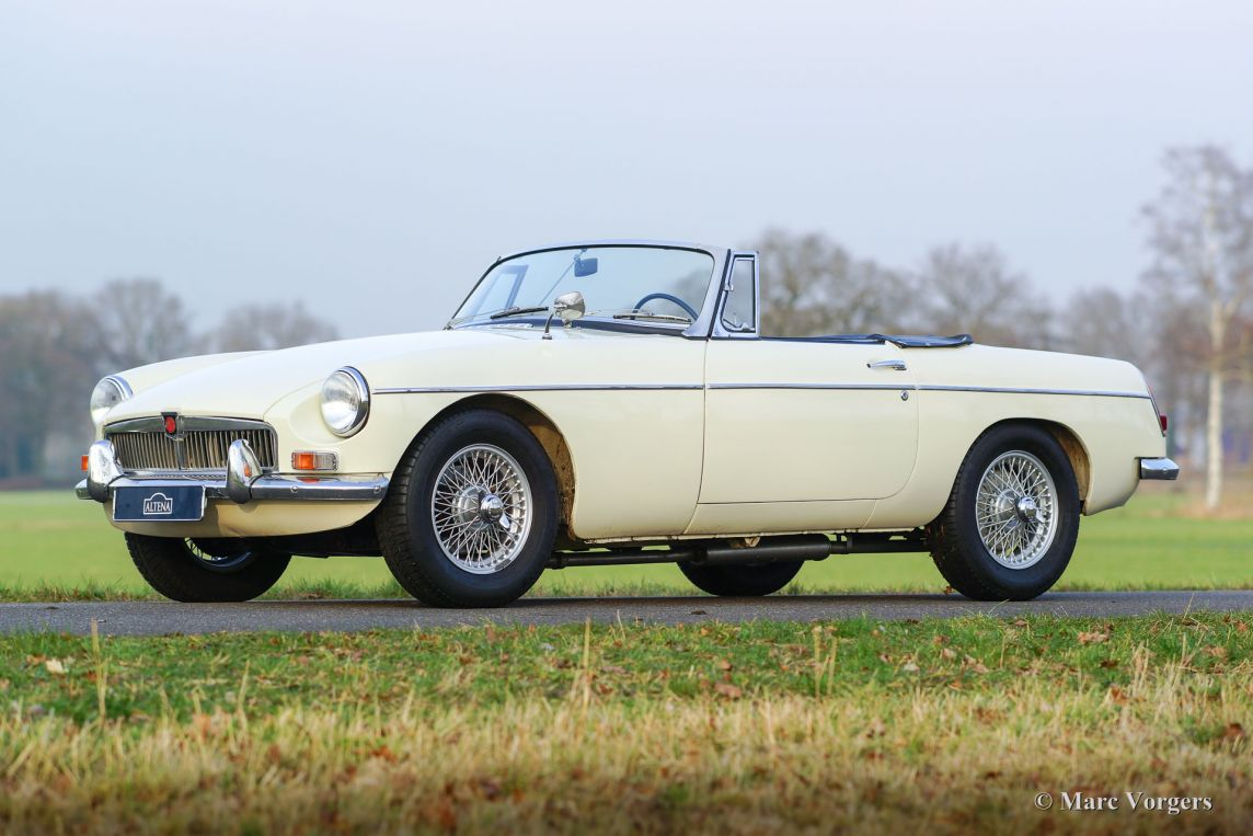 ... 1965 MG MGB roadster, ...