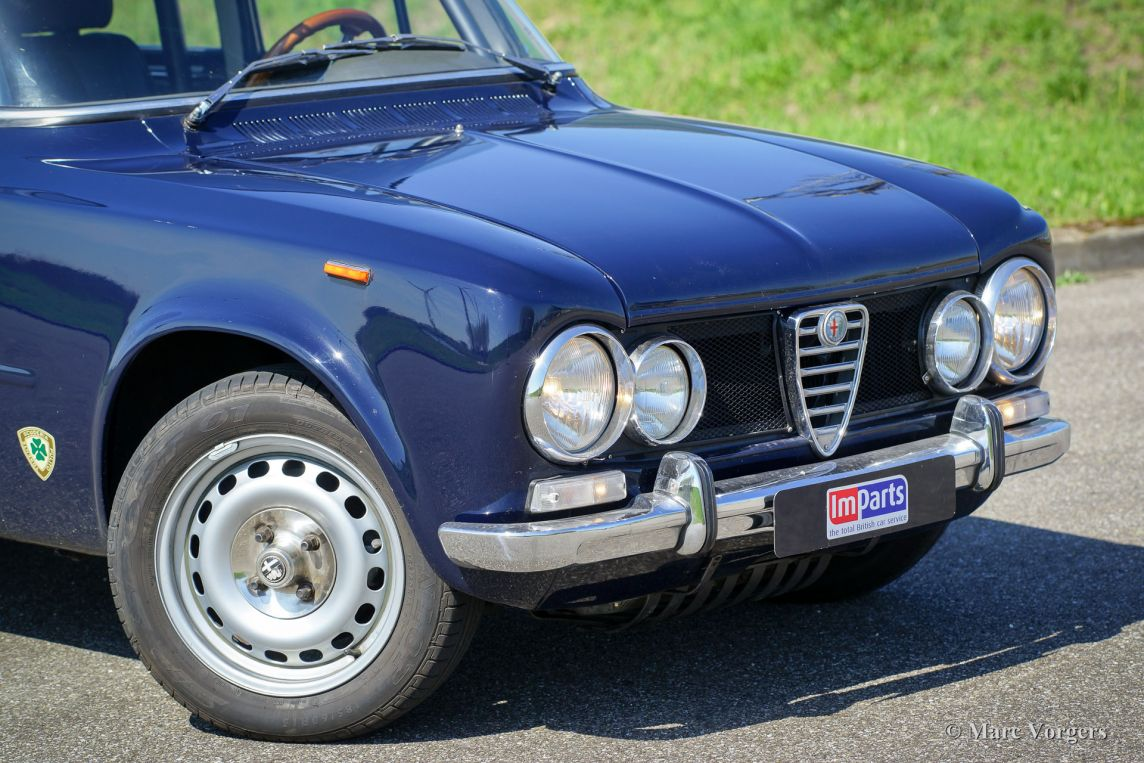 Alfa romeo giulia super 1971 welcome to classicargarage for Garage alfa romeo villeneuve d ascq