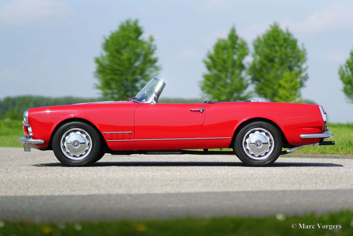 alfa romeo 2000 touring spider 1961 welcome to. Black Bedroom Furniture Sets. Home Design Ideas